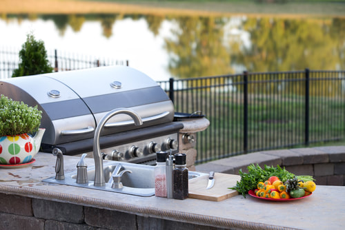 Outdoor Kitchen on the Lake in Corpus Christi, TX